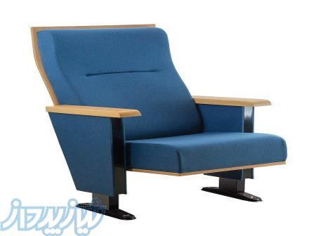 صندلی و تجهیزات سالنهای آمفی تاتر ،سالن همایش، سالن اجتماعات و سالن سینما- شرکت همایش گستر کیوار