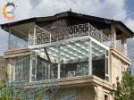 سقف و کف شیشهای ساختمان بزرگمهر