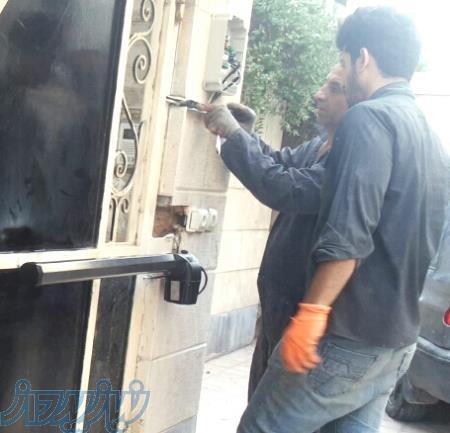 برقی و کارتی نمودن درب ها ، قفلهای دیجیتال و کنترل تردد پرسنل  در تهران وکرج