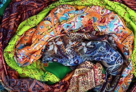 طراحی و تولید روسری ابریشمی با چاپ دستی