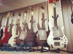 فروش گیتارهای کلاسیک ، آکوستیک و بیس