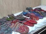 فروش شلوار پشمی و جوراب پشمی دستبافت در سراسر کشور