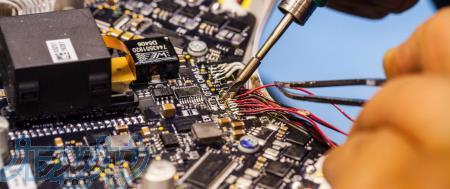 تعمیر تخصصی کلیه تجهیزات شبکه و اینترنت با ضمانت