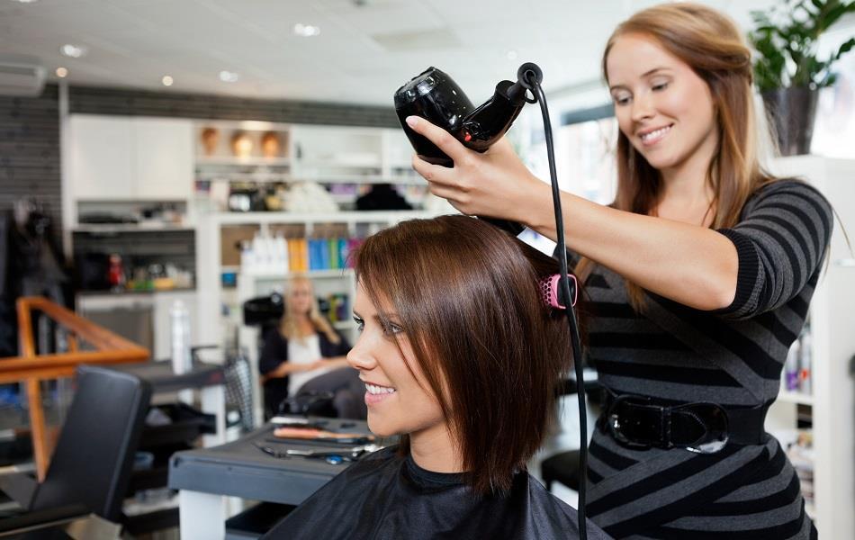 فواید استفاده از بازاریابی اس ام اسی برای آرایشگاه  یا سالن زیبایی شما